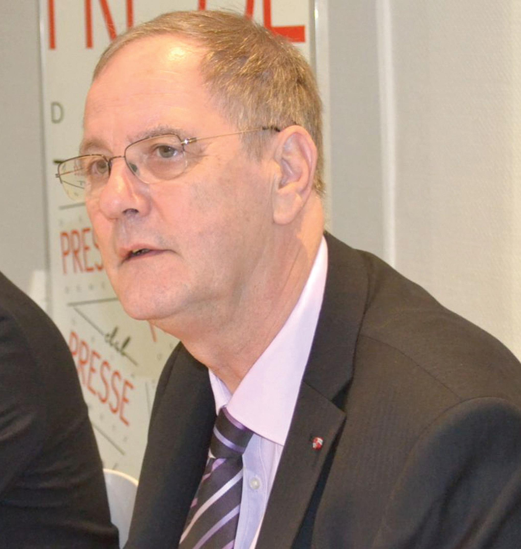 «Faut pas être médiocres car on a vraiment besoin d'aide» insiste Roger Cayzelle pour qui la région a besoin d'unité et de projets forts.