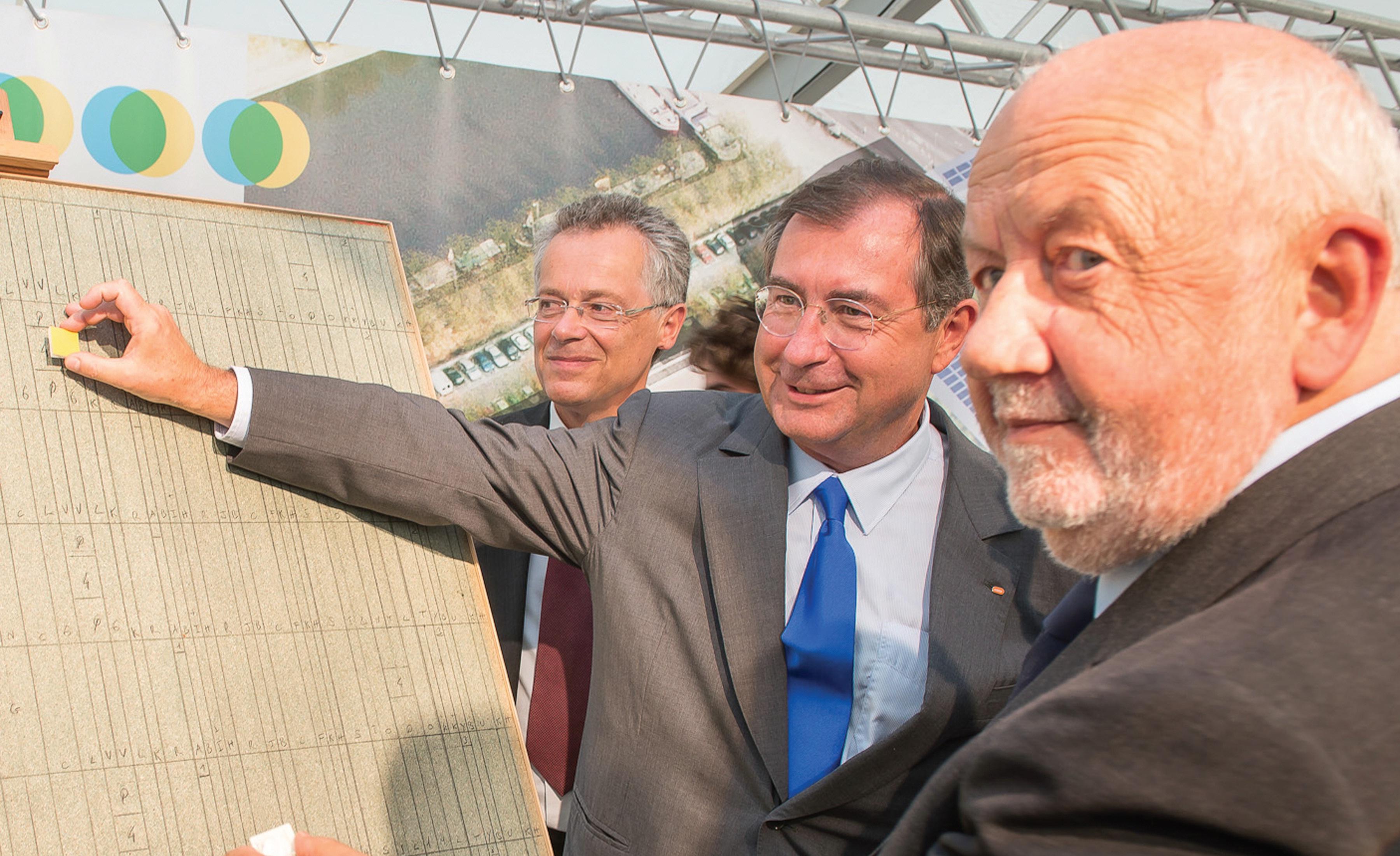 Martin Bouygues, en compagnie d'André Rossinot, a posé la première pierre du chantier de l'Ilot de l'Ile de Corse le 6 septembre dernier.