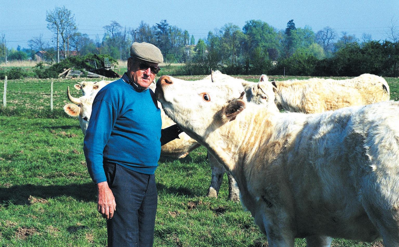 Vieillissement des agriculteurs, baisse des transmissions, les Jeunes Agriculteurs lorrains veulent développer une politique novatrice au service du renouvellement des générations.