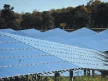 1,4 millions de panneaux photovoltaïques sont implantés sur l'ancienne base aérienne 136 de Toul-Rosières. La centrale d'EDF Energies Nouvelles est aujourd'hui entièrement opérationnelle.
