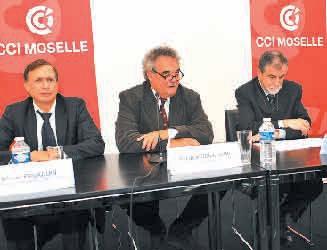 «CCI Map a pour but de rendre encore plus qualitative, et donc compétitive, notre mission de conseil auprès des dirigeants des PME du territoire», assure Philippe Guillaume (au centre), le président de la CCIT 57 à l'occasion de la présentation du nouveau process CCI Map.