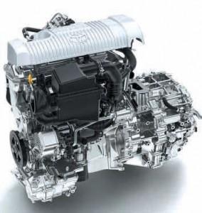 Dès son lancement, elle propose la motorisation «Full hybride» de référence qui affiche un taux d'émissions de CO² de 87 g/km.