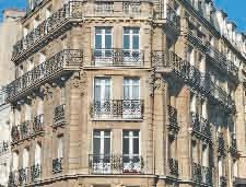 En Lorraine, d'après les chiffres fournis par la Fnaim (Fédération nationale des agents immobiliers), la chute des prix en 2012 affiche en moyenne une baisse de (- 3,2 %) pour les maisons et de (- 0,6 %) pour les appartements.