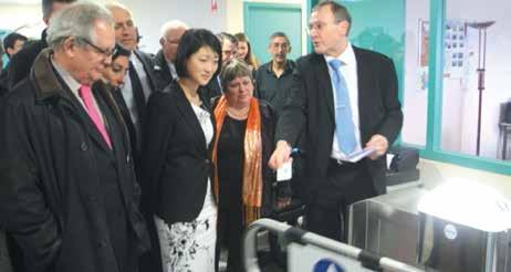 Fleur Pellerin, la ministre déléguée chargée des PME, a vanté les mérites de l'innovation dans deux entreprises de la Zac du Breuil à Messein le 14 mars.