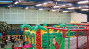 Des piscines à boules, des toboggans géants, un mini-golf, une piste de karting électrique, Mounky Parc est le royaume des enfants !