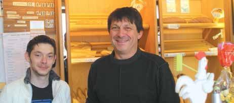 Le duo Vouaux, père et fils ! Maxime est aujourd'hui apprenti au sein de la boulangerie familiale et prépare son CAP de boulanger suivi par l'Association Perspectives et Compétences.