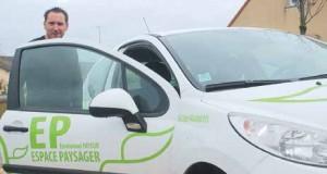Après plus de quinze ans, notamment au sein d'une société alsacienne, Emmanuel Payeur a décidé de franchir le pas en créant «Espace Paysager» à Fraimbois.