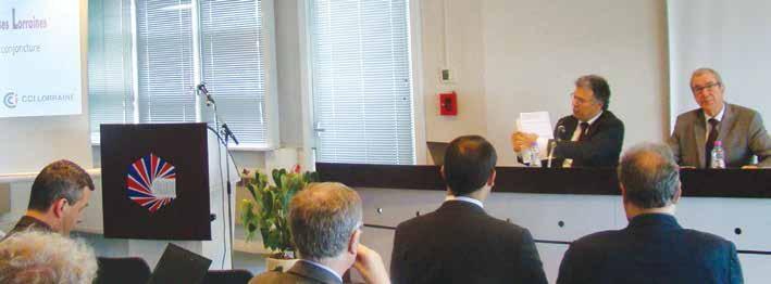 Khaled Zaini, chargé d'études économiques et Paul Arker, le président de CCIRL, ont présenté les résultats de l'enquête semestrielle de l'Odel.