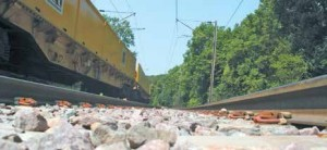 En 2013, Réseau Ferré de France investit 200 millions d'euros en Lorraine. 115 millions concernent le chantier de renouvellement des voies entre Longwy, Thionville et Béning.
