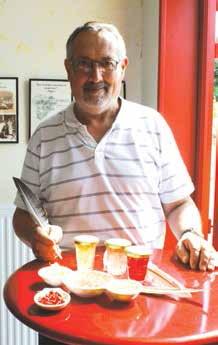Yves Dutriez a participé à la mission à Dubaï en juin dernier pour faire connaître la confiture de groseilles épépinées à la plume d'oie de Bar-le-Duc.