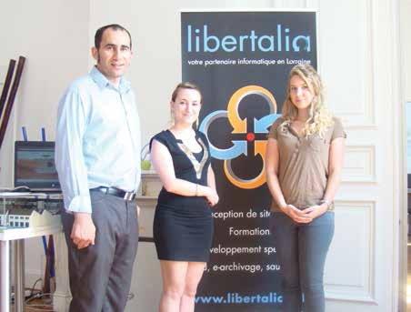Farid Yahimi, fondateur de Libertalia, Noémie Martinez, community manager, et Anaïs Valot, chef de projet, forment l'équipe jeune et dynamique d'une agence de communication différente.