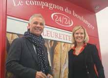 Jean-Pierre Ferrante et Carole Ruhland de la société meusienne Elodys devant le premier «Compagnon du Boulanger» produit à Void-Vacon.