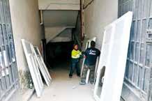 Une centaine de fenêtres de l'ancien Hôtel du Globe ont été récupérées par le chantier solidaire.