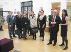 L'agence nancéienne de la Place Dombasle de la Caisse d'Épargne est la première en France à accueillir un espace professions libérales.