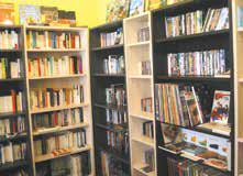 Livres, CD, DVD d'occasion à portée de tous du côté de la nouvelle adresse culturelle nancéienne : l'Oreille est Hardie.