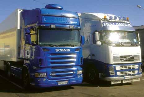 Le Scania des Transports Derlyn à côté d'un compagnon de route des Transports Bellanger.