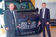 Pascal Felten, directeur de la Sovab et Vincent Gorce, le directeur régional de Renault ont dévoilé le nouveau Master entièrement produit à Batilly le 28 avril dernier.
