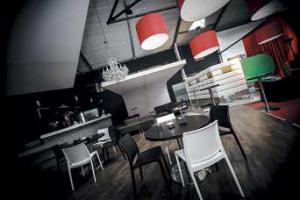 Le look de l'espace VIP a été dessiné par l'architecte d'intérieur laneuvevillois Bernard Meignan.