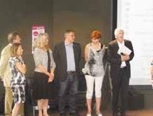 Les partenaires d'Entreprendre sont présents pour remettre les dotations aux jeunes talents.