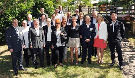 Les vingt premiers membres du BNI Metz Mirabelle.