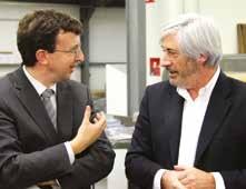 Thibaut Villemin, vice-président du Conseil Régional et Marc Lessertisseur le repreneur d'UTIM à Velaine-en-Haye.