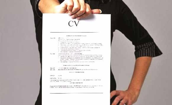 Huit ans après son instauration, le CV anonyme fait toujours débat.