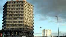La rénovation urbaine de Vandoeuvre où l'économie des quartiers se veut en voie de consolidation.