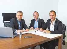 Jean-Marie Person avec son directeur commercial, Thibaut Serby, âgé de 30 ans et entré à 19 ans dans l'entreprise, et Cédric Leblanc au centre.