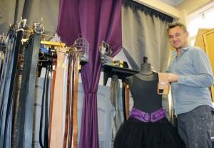Les créations de ceintures Noémi Liberti Paris font la fierté de Bruno Amicone, installé à Bar-le-Duc.