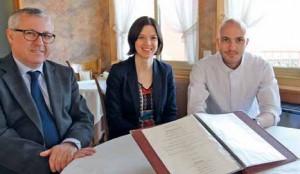 Philippe Kruch (à gauche) vient de passer les commandes de la gestion du restaurant Au Bon Accueil à sa fille Anne-Sophie et à son fils, Romain, nouveau chef fraîchement arrivé.